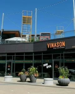 Vinason Pho & Grill